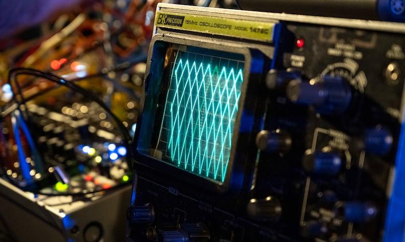 Anime Blog - Oscilloscope