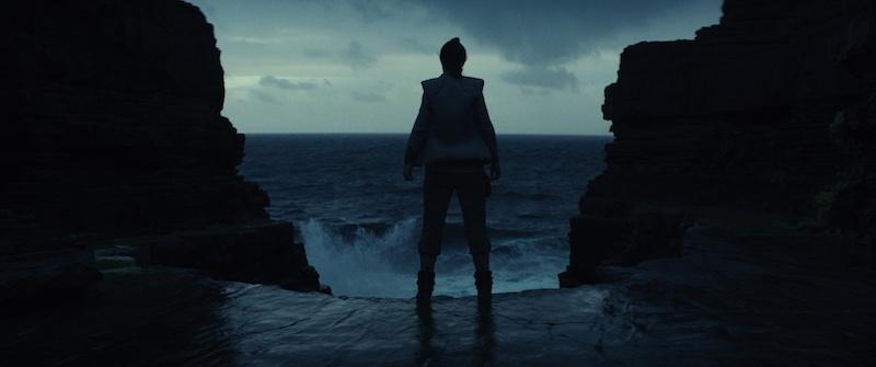 Star Wars: The Last Jedi - Rey on Ach-To