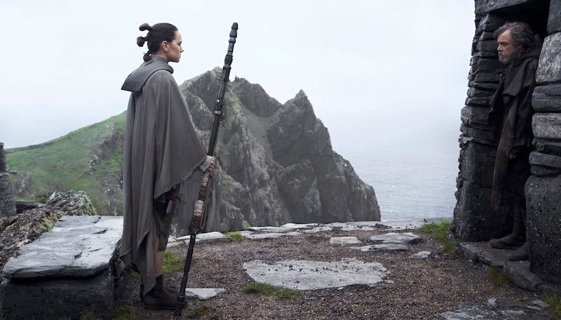Star Wars: The Last Jedi - Rey & Luke Skywalker