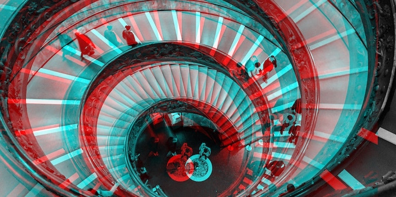 spiral-staircase-red-blue