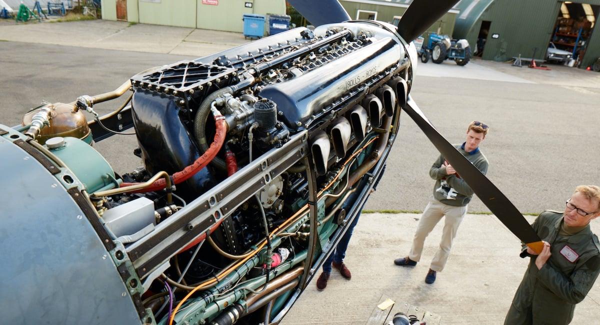 spitfire-plane-engine